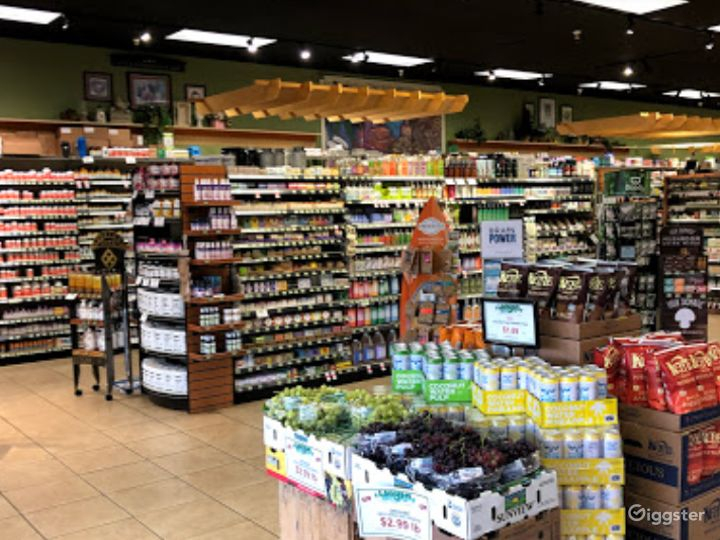 Spacious Health Food Store Perfect for Photoshoots and Productions in Bakersfield  Photo 2