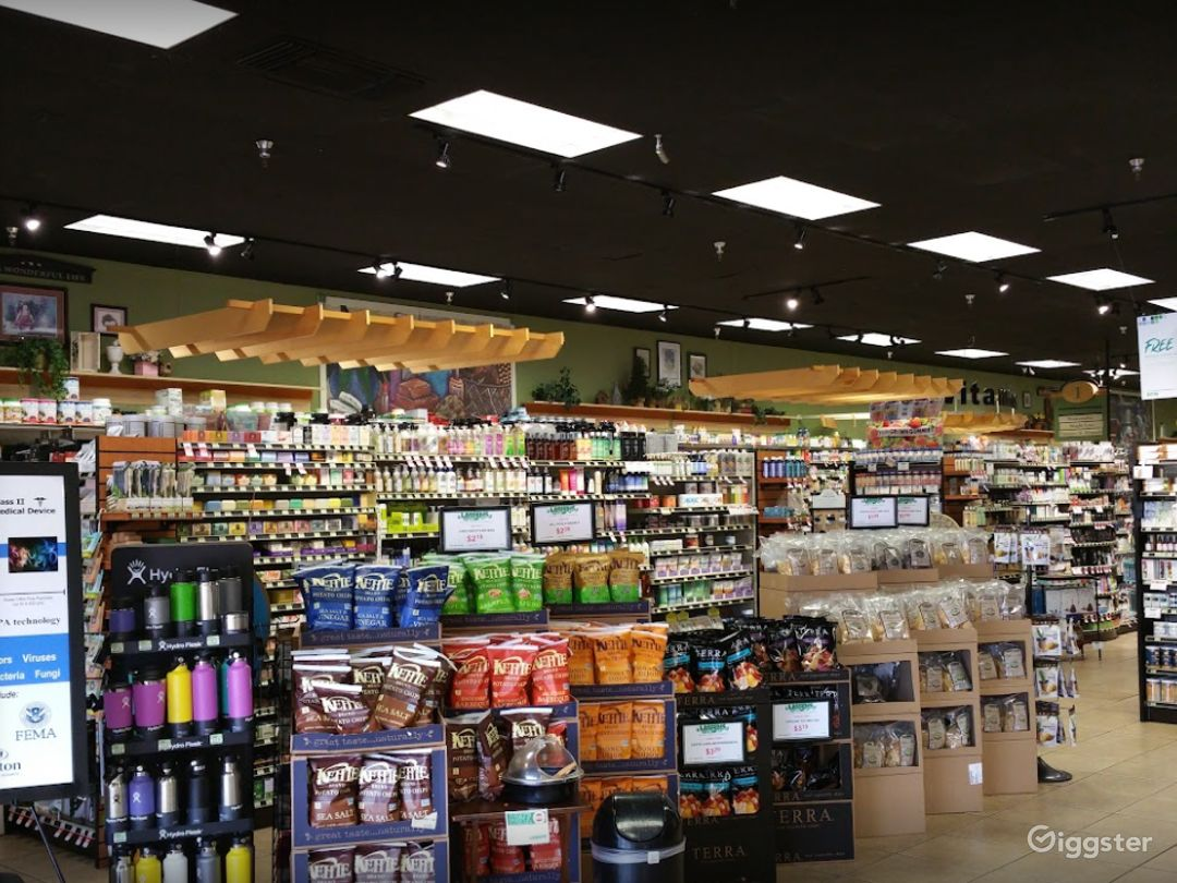 Spacious Health Food Store Perfect for Photoshoots and Productions in Bakersfield  Photo 1
