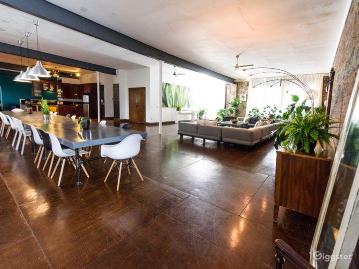 Lifestyle studio/loft: Location 5211 Photo 4