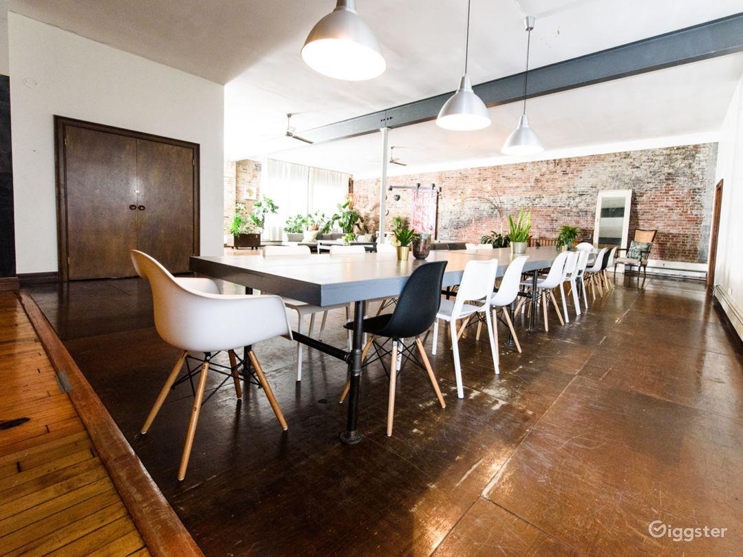 Lifestyle studio/loft: Location 5211 Photo 1