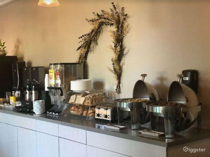 Cozy Cafe  Photo 4