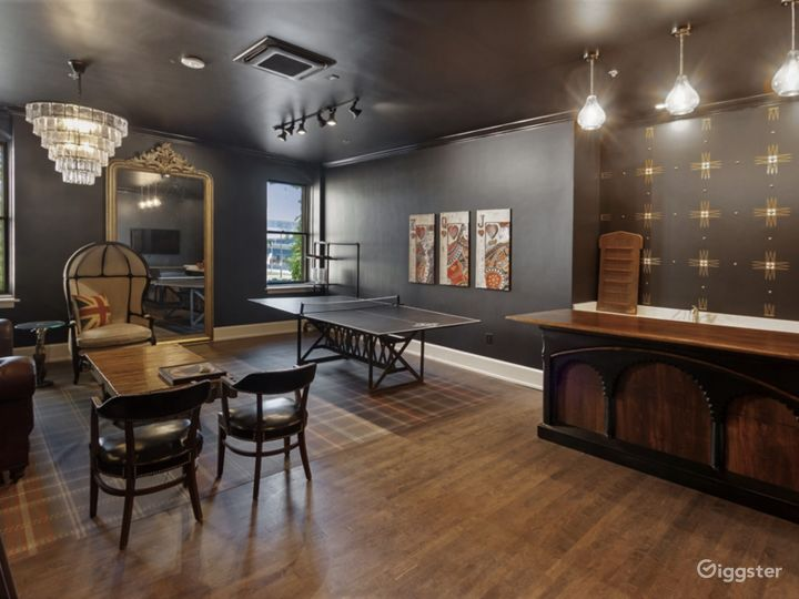 Duke Suite with Ping Pong Table Photo 3