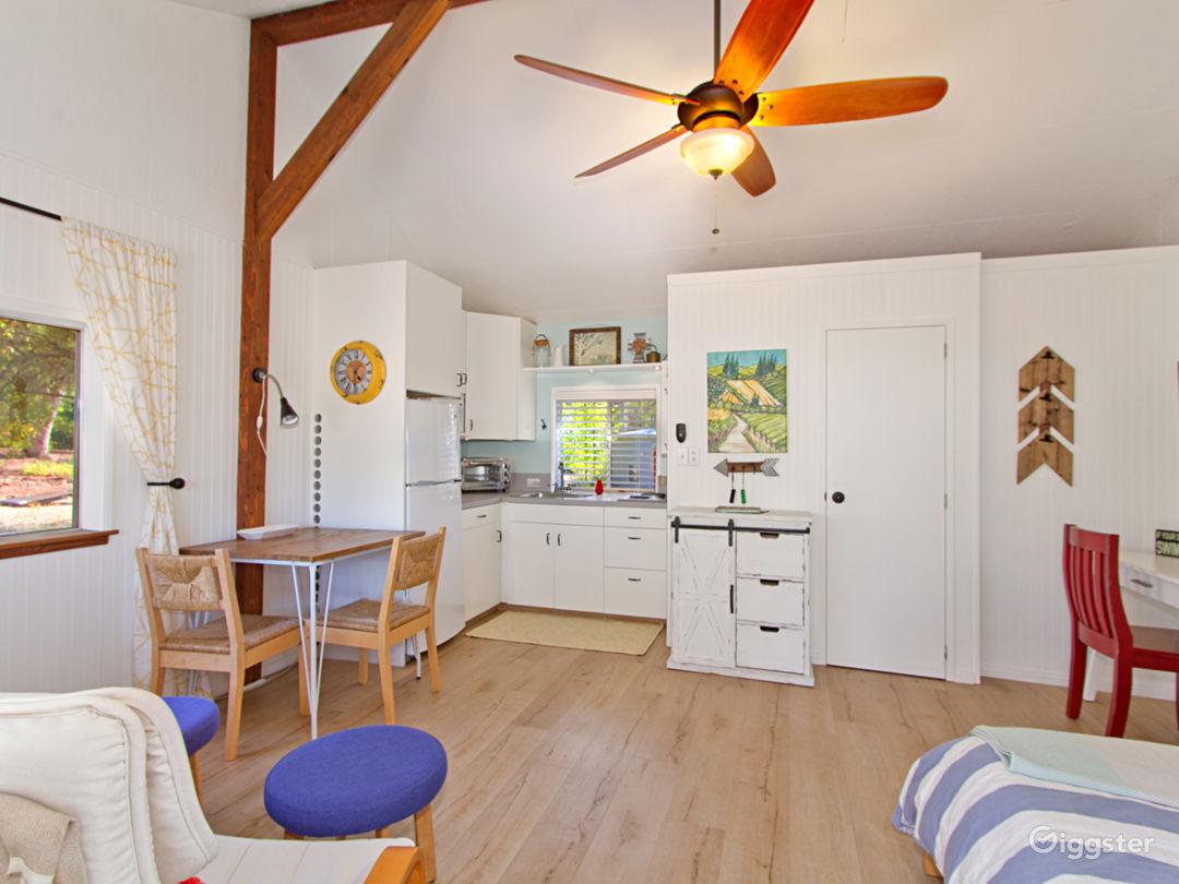 Cozy Studio Bungalow on 4.5 acre ranch Photo 4