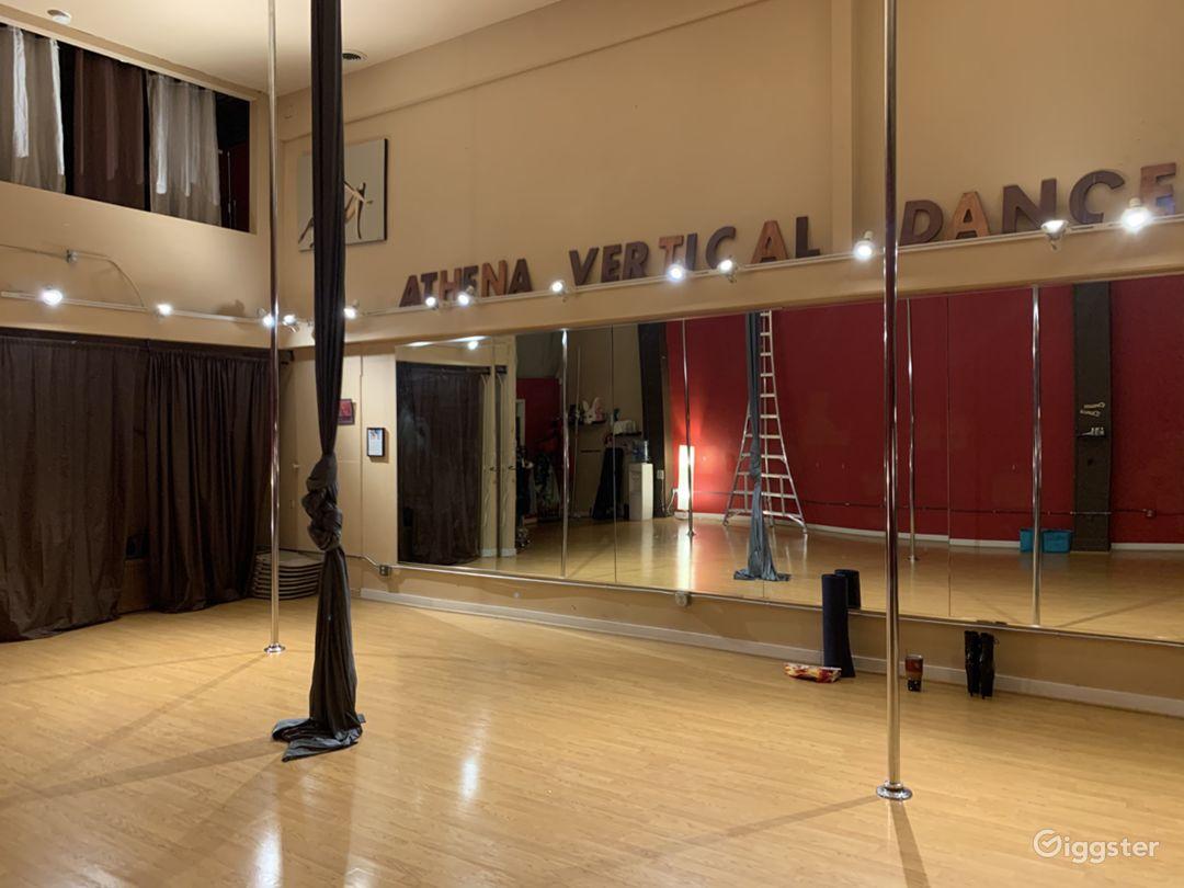Studio view showing mirrors