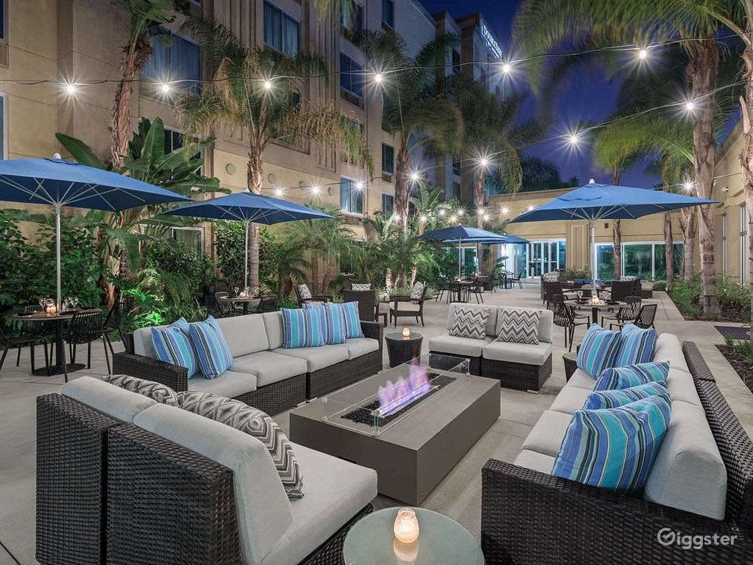 Amazing Patio For Your Gatherings Photo 1