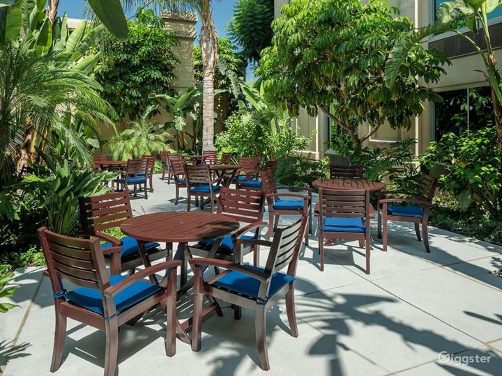 Amazing Patio For Your Gatherings Photo 3