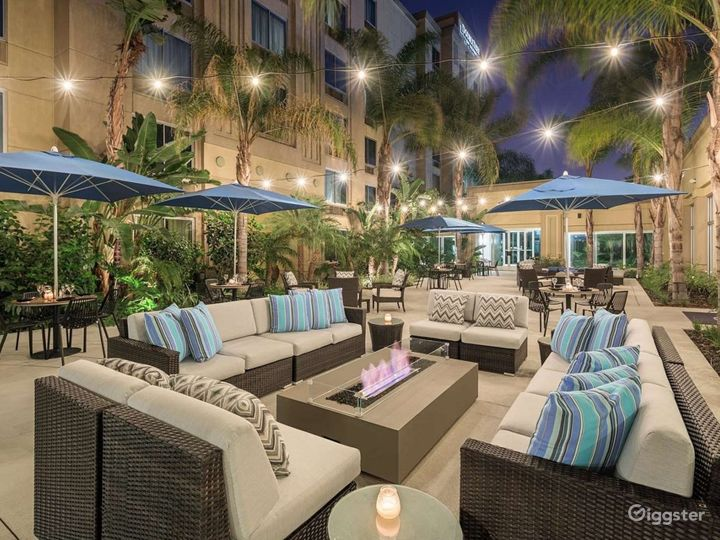Amazing Patio For Your Gatherings Photo 4