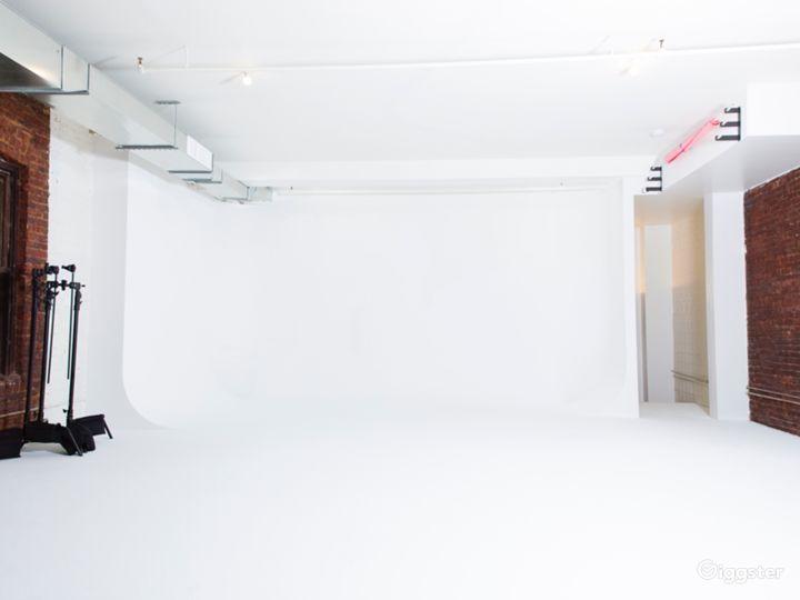 Huge Sunlit Studio W/ Cyclorama - 3,000 SQ/FT Photo 4