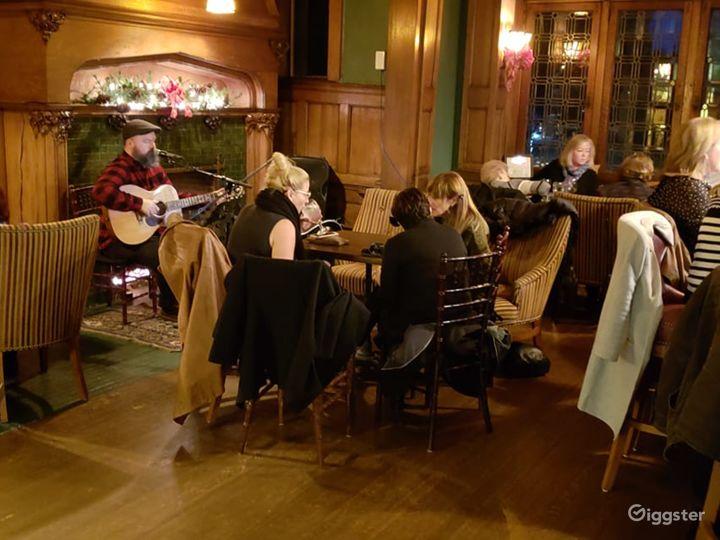 Spacious Pub in Pittsburgh Photo 5