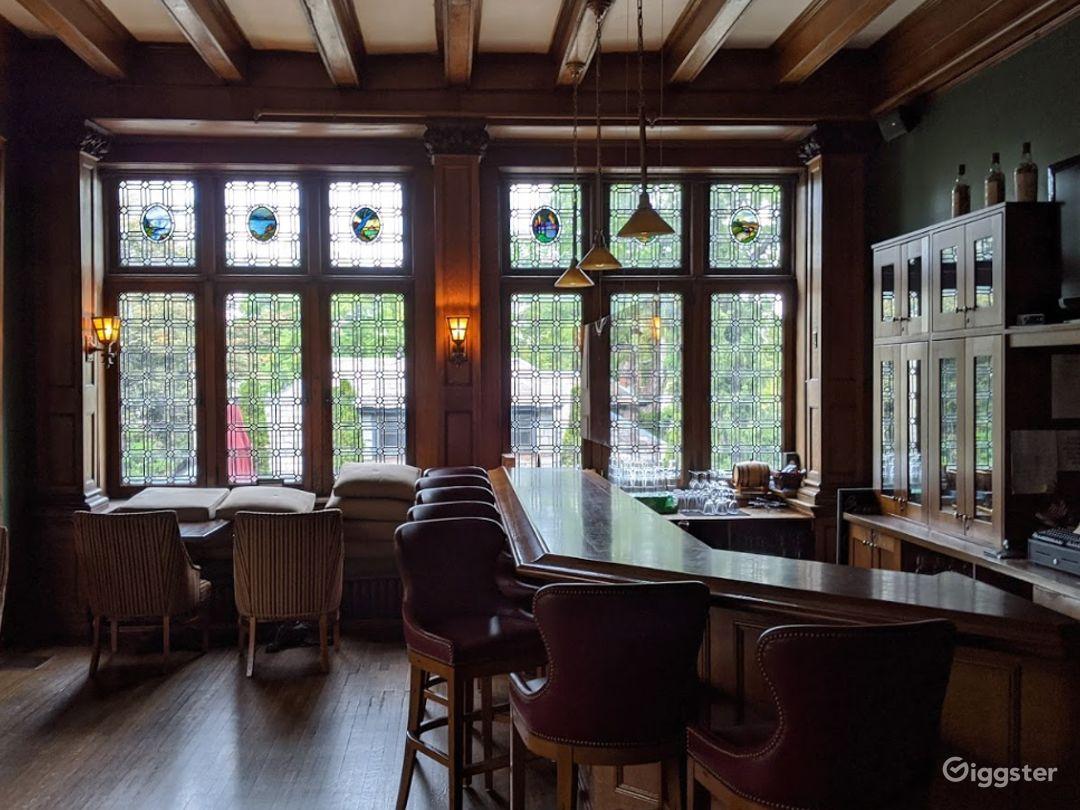 Spacious Pub in Pittsburgh Photo 1
