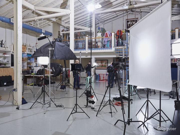 3400 sq ft STUDIO w/ VAULTED CEILINGS & PROP ROOM Photo 2
