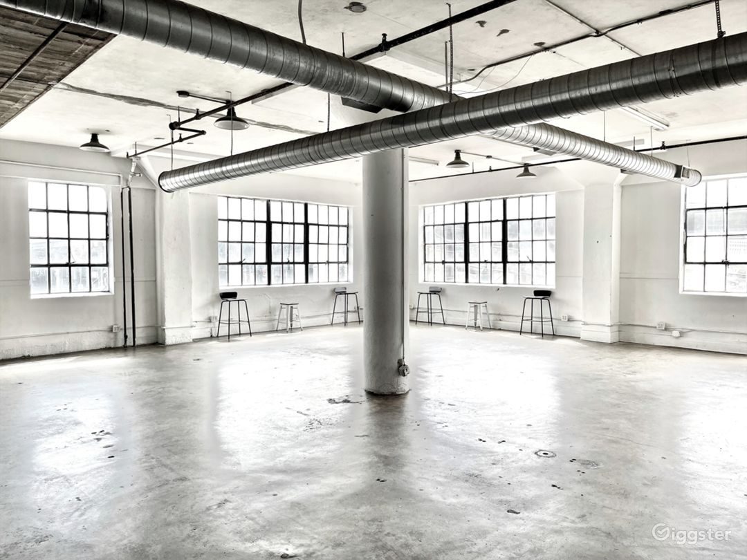 The Studio HTX: Small Downtown Industrial Studio Photo 1
