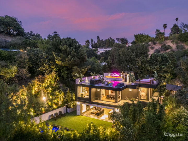 Modern open concept house with panoramic views Photo 2
