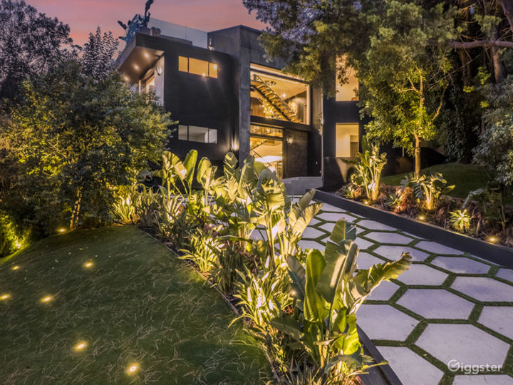 Modern open concept house with panoramic views Photo 3