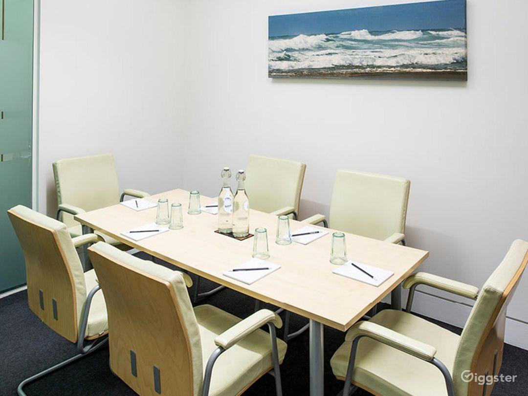 Intimate Tidal Meeting Room in London Photo 1