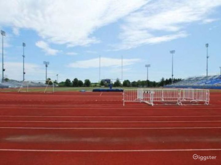 Athletics field with running track: Location 4262 Photo 3