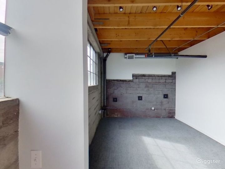 Large Third Floor Suite Photo 5