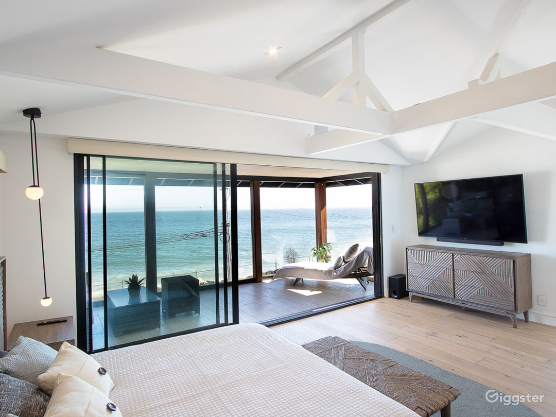 Beautiful Unobstructed Ocean View Malibu House Photo 4