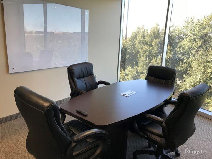Small Conference Room in Dallas Photo 4