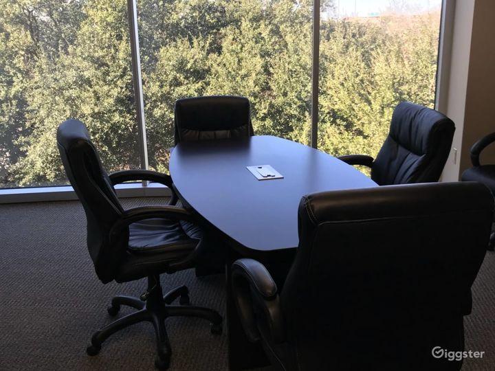 Small Conference Room in Dallas Photo 3