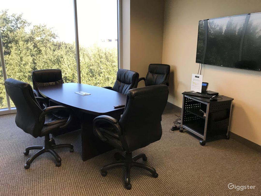 Small Conference Room in Dallas Photo 1