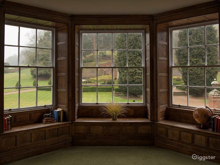 Elegant Executive Boardroom in Dorking Photo 3