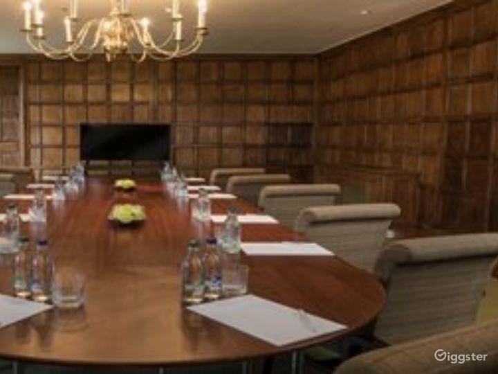 Elegant Executive Boardroom in Dorking Photo 2