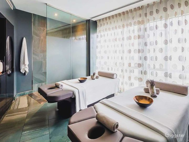 Relaxing East River Hotel Spa in Canary Wharf, London Photo 3