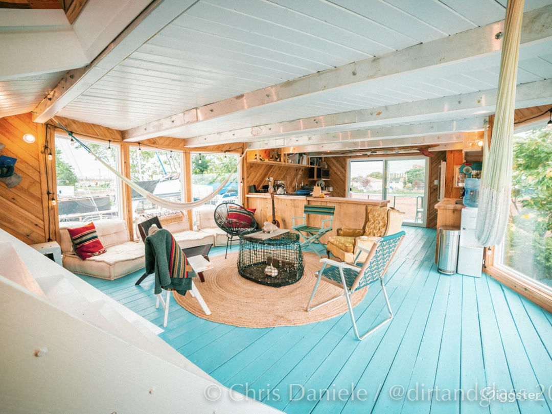 Renovated Houseboat Photo 1