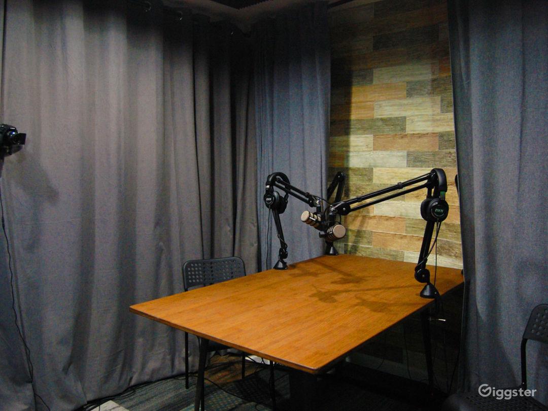 Professional Podcast Studio Photo 2