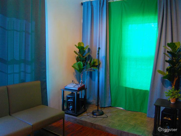 Professional Podcast Studio Photo 4