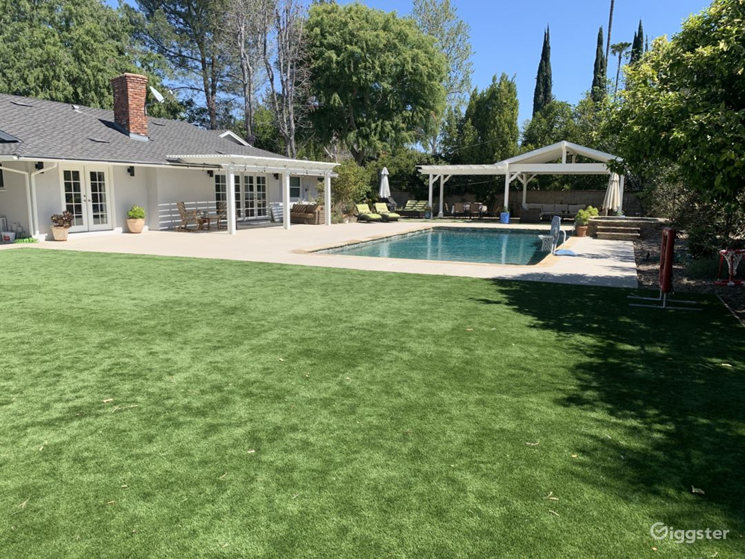 Encino Ranch Style Home on 1/2 acre Photo 1