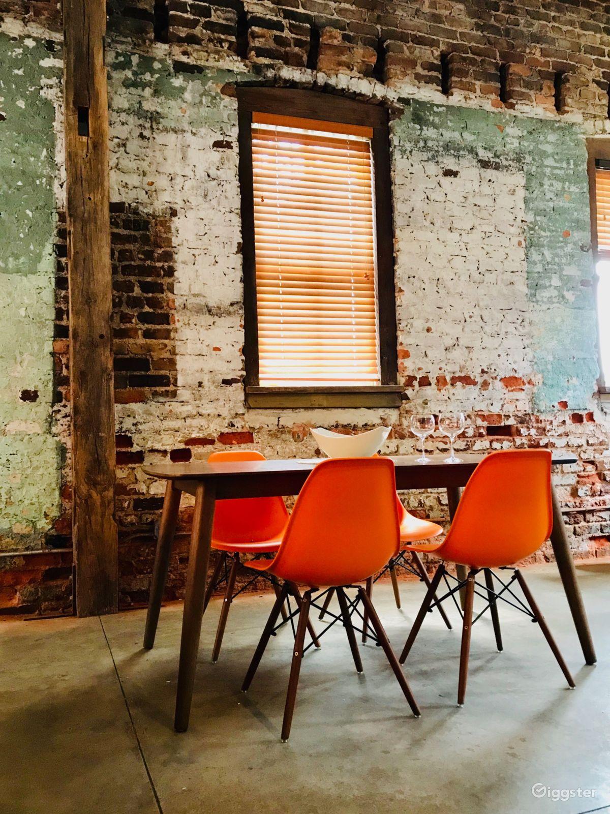 Dilapidated Loft in Atlanta's Landmark District Atlanta Rental