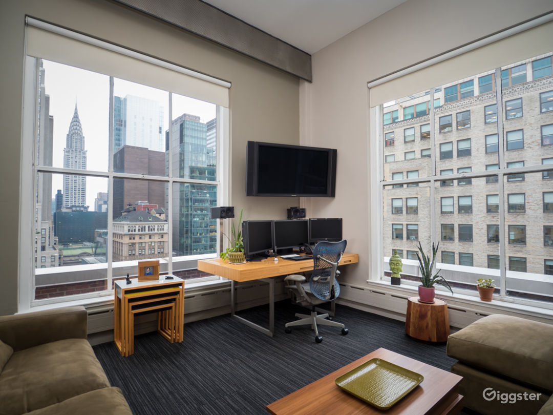 Penthouse Suite Located in the Heart of Midtown Photo 5