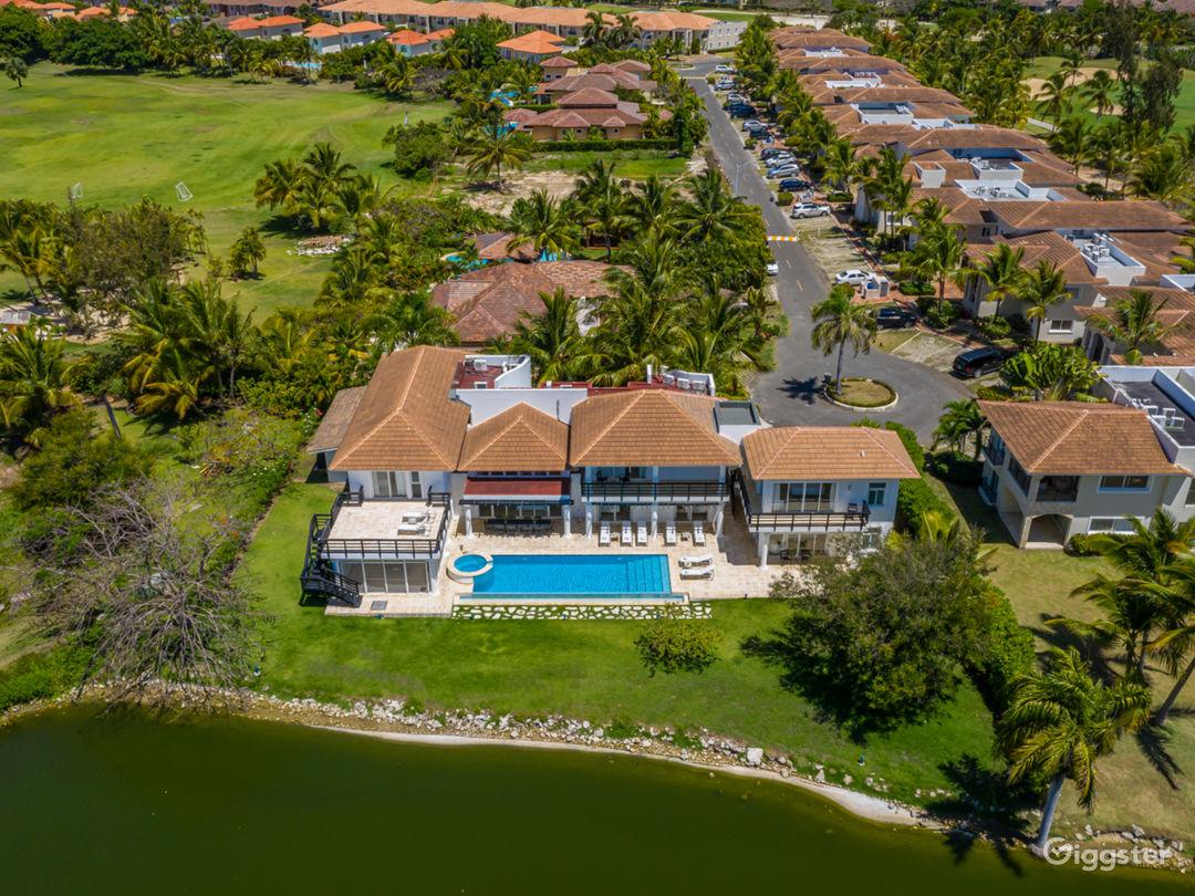 Lake View Villa Photo 5