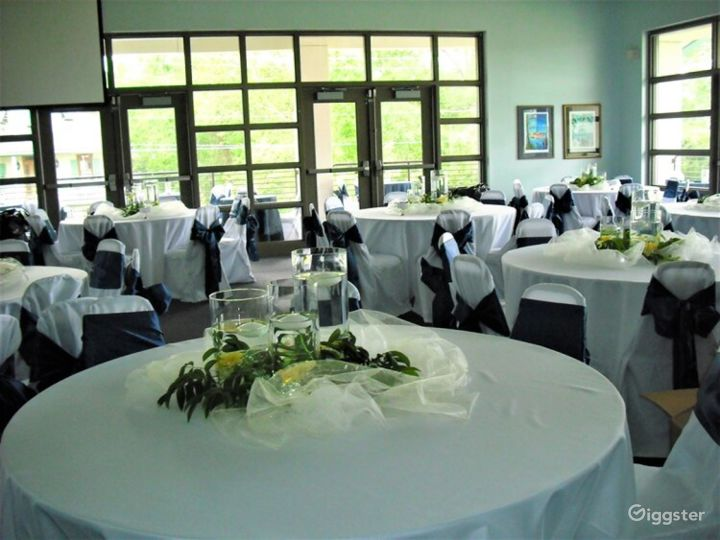 Event Room with a Comfortable Atmosphere Photo 3