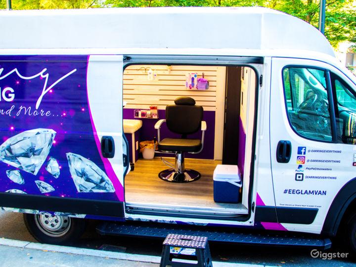 Mobile Pop-Up Shop or Salon Photo 3