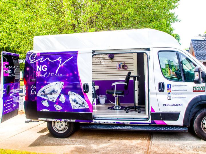 Mobile Pop-Up Shop or Salon Photo 4