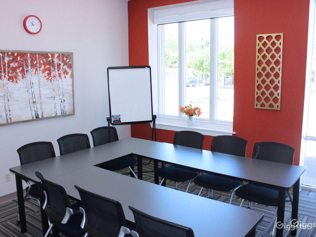 Band Conference Room Photo 1