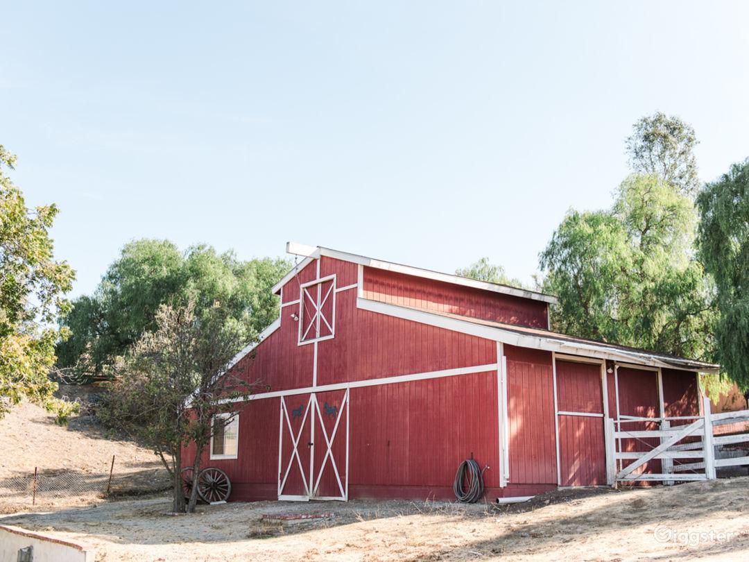3 acre hilltop ranch home, barn, pool, tennis ++++ Photo 1