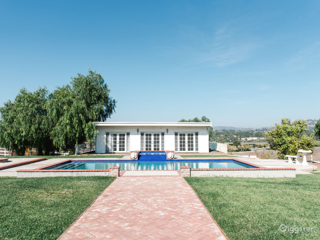 3 acre hilltop ranch home, barn, pool, tennis ++++ Photo 3
