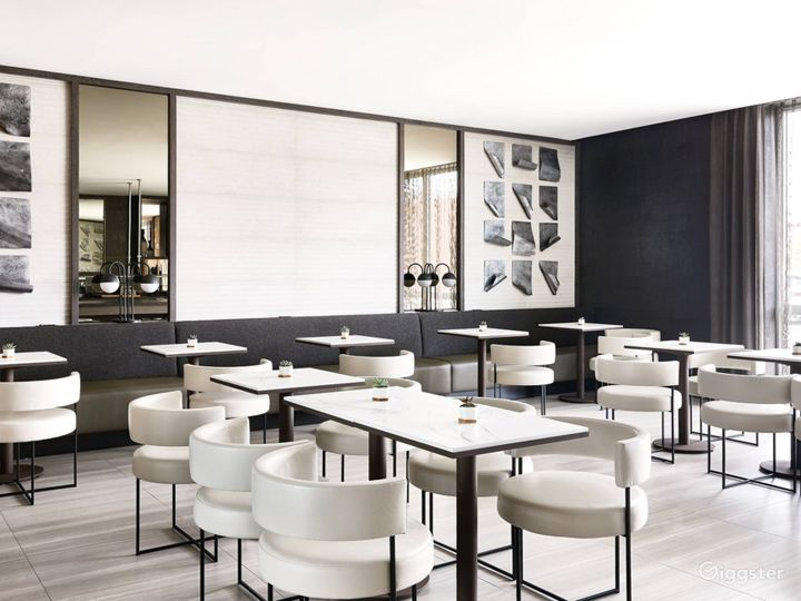 An Elegant Hotel Dining Space in Miami Photo 3