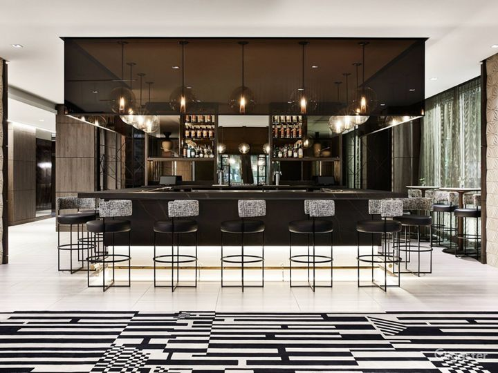 An Elegant Hotel Dining Space in Miami Photo 2