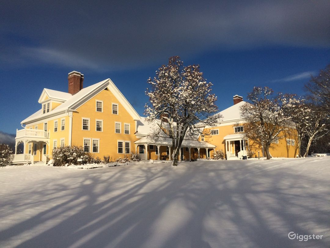 Historic Country Baronial Lodge in Maine Photo 5