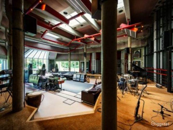 Digital Room for Recording Photo 3