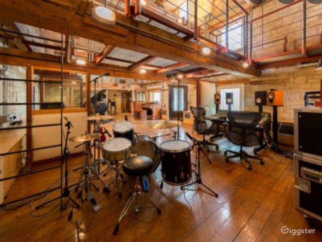 Digital Room for Recording Photo 1