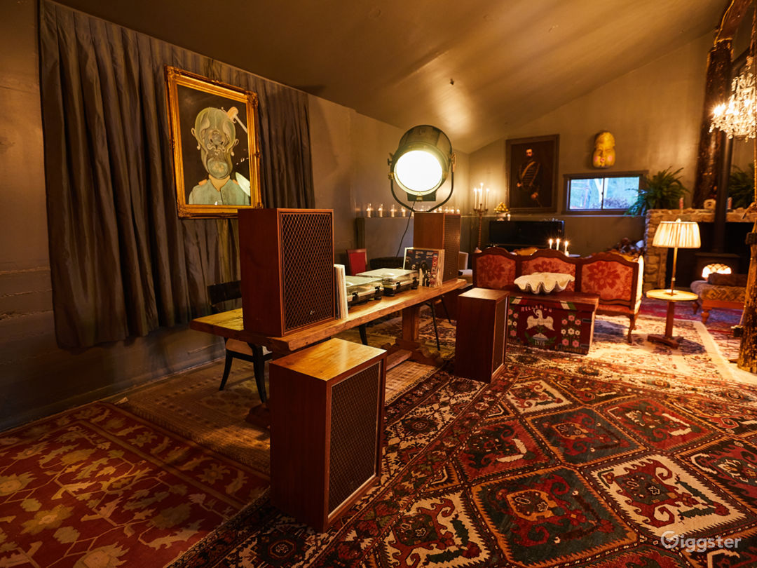 Topanga Compound | The Lodge Photo 2