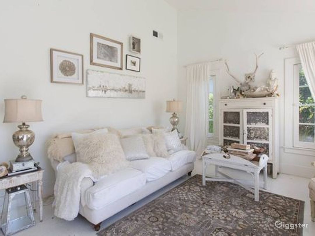 Magical white cottage Photo 3