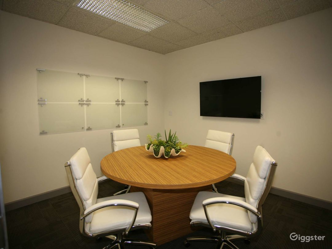 Small Conference Room in Riverside on 4th Floor Photo 1