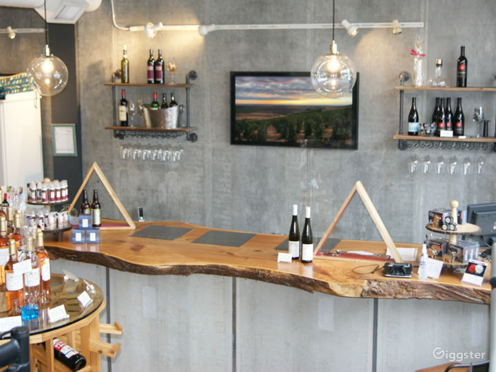 Boutique Salon and Wine Bar in a Unique neighborhood in Seattle